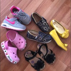 BUNDLE toddler shoes,7,Nike,Toms,Crocs!!ADORABLE